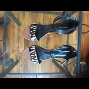 Tahari high heal open toe shoes sandals leather